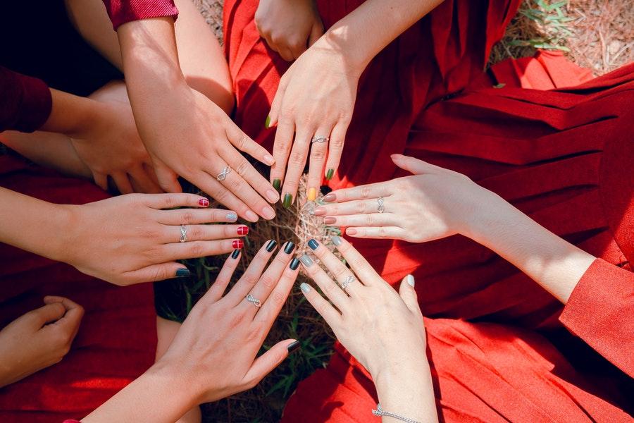 Tradycyjne lakiery do paznokci